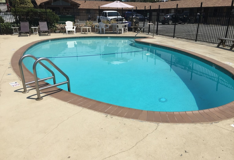 Holiday Lodge, Grass Valley, Pool