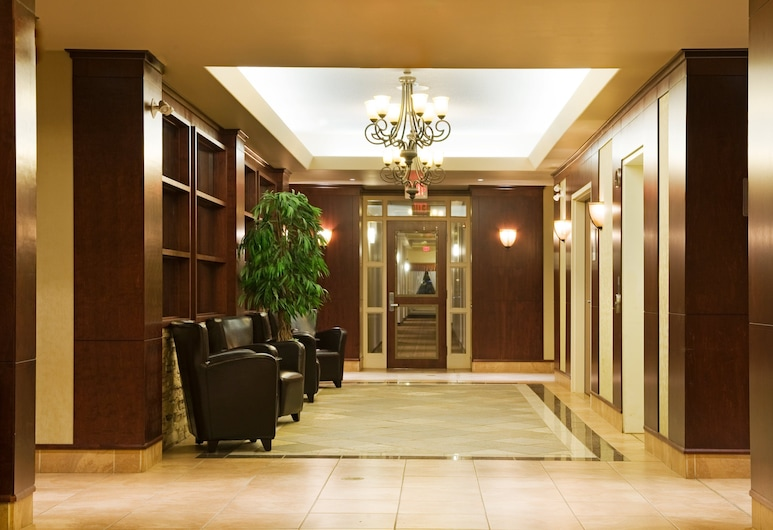 Holiday Inn Hotel & Suites Lloydminster, לוידמינסטר, לובי
