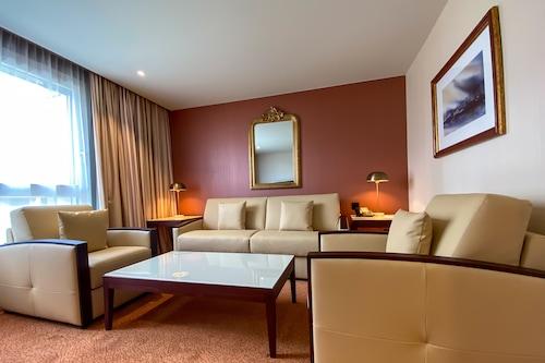 納什機場酒店/