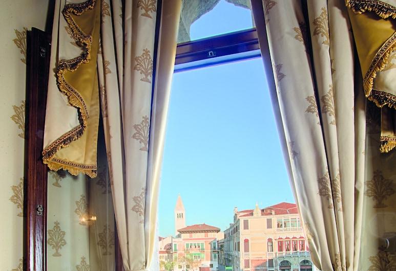 Hotel Palazzo Stern, Venetsia, Junior-sviitti (3 Pax - Grand Canal View), Oleskelualue