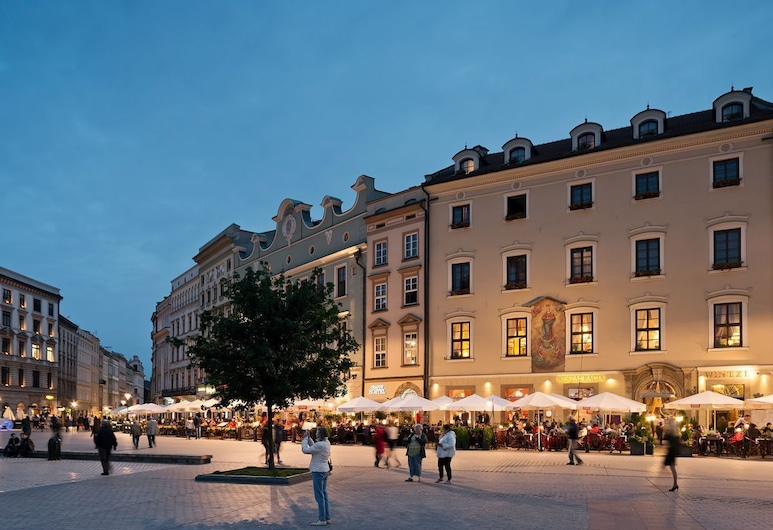 Hotel Wentzl, Krakow, Hotel Front – Evening/Night