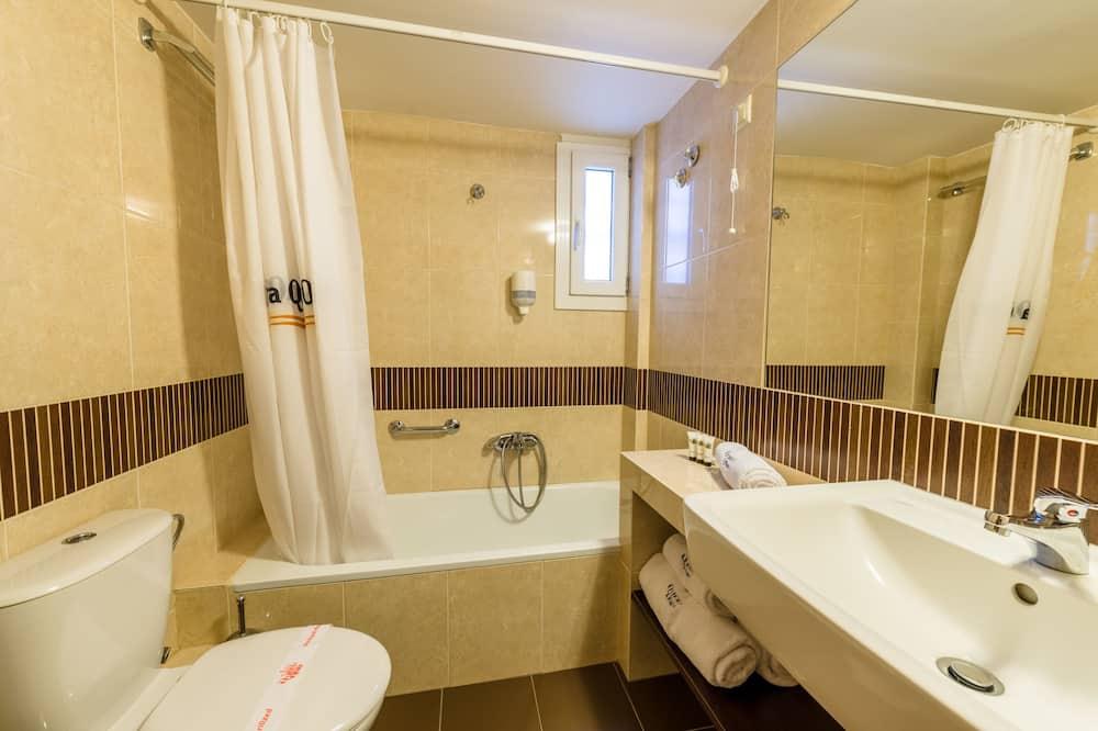 Standard-Doppelzimmer zur Einzelnutzung, Balkon, Stadtblick - Badezimmer