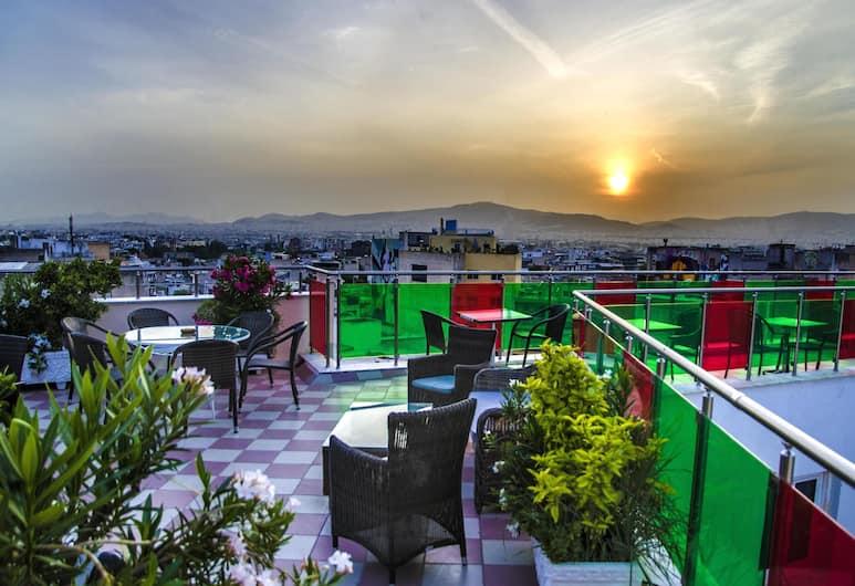 Attalos Hotel, Athen, Blick vom Hotel