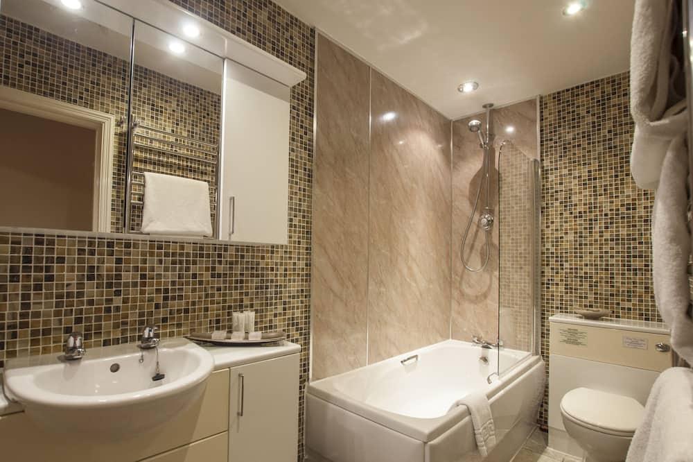 Ashton Suite, 1 King Bed - Bathroom