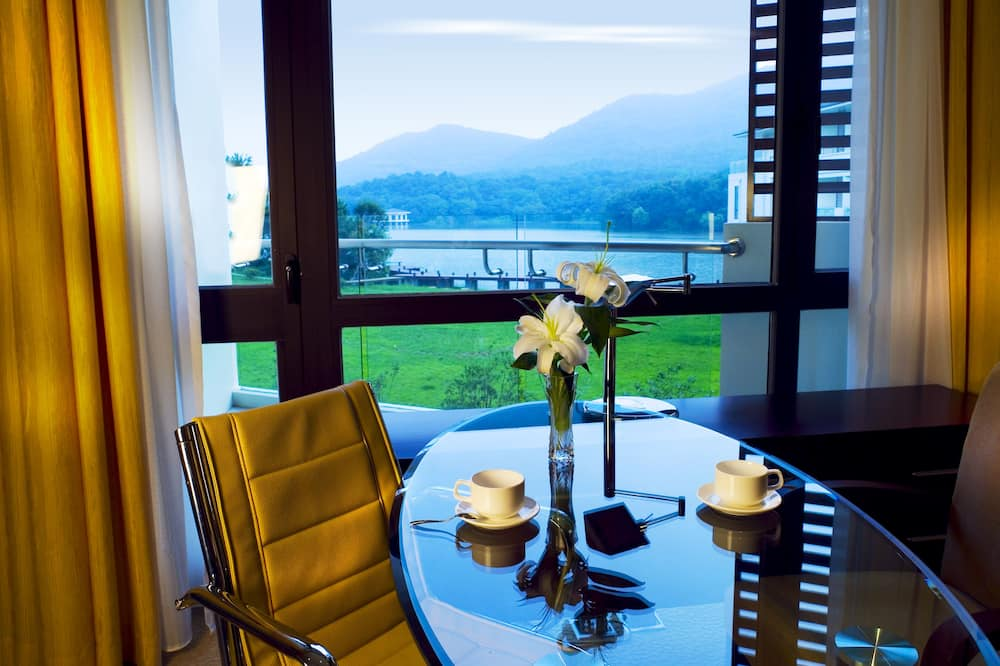 Pokój Deluxe, widok na jezioro - Widok z pokoju
