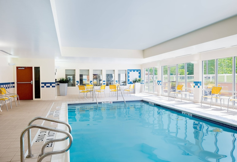 Fairfield Inn & Suites by Marriott State College, State College, Sundlaug