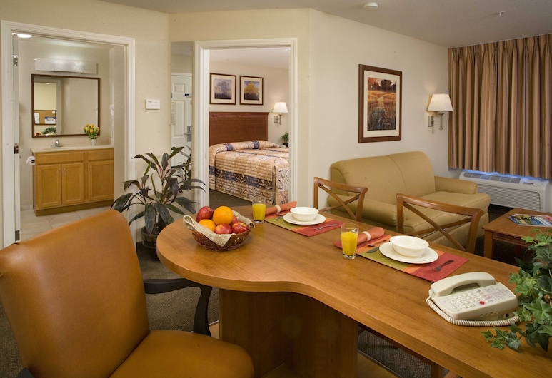 Candlewood Suites Augusta, Augusta, Room, 1 Queen Bed, Accessible, Bathtub (Hearing, Mobility), Guest Room