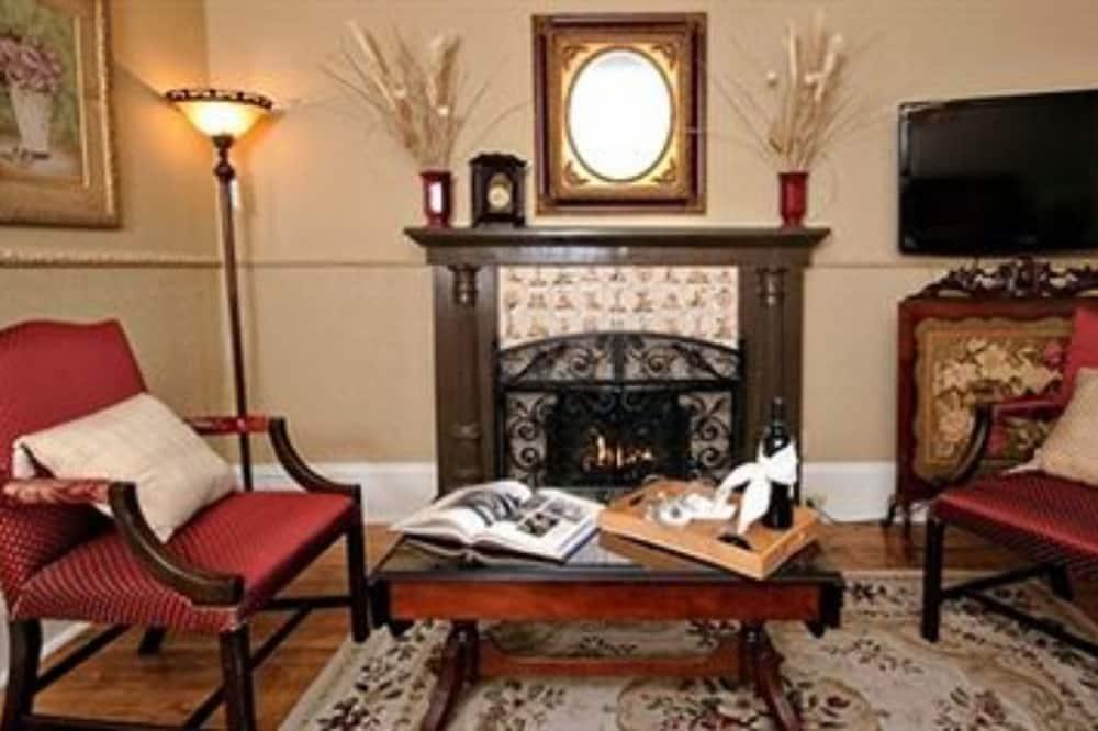 Romantisks luksusa numurs, 1 divguļamā karaļa gulta (The Victorian Suite 20) - Dzīvojamā zona