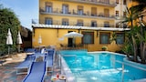 Choose This Business Hotel in Sorrento -  - Online Room Reservations