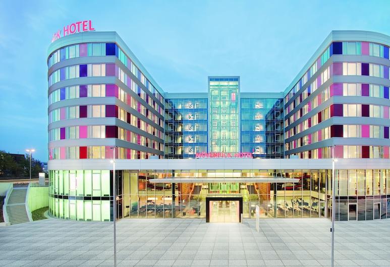 Movenpick Hotel Stuttgart Airport, Stuttgart, Hotellets facade - aften/nat