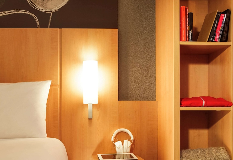 ibis Madrid Calle Alcala, Madrid, Standard Double Room, Multiple Beds, Guest Room
