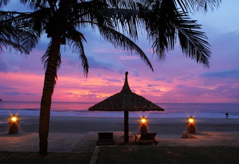 Pandanus Resort, Phan Thiet, Beach