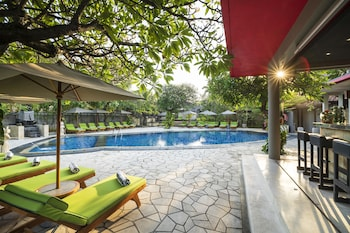 15 Closest Hotels To Kuta Beach In Kuta Hotels Com