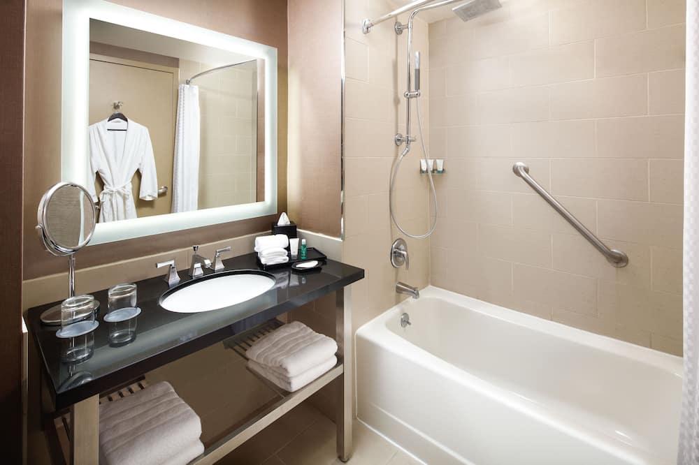 尊榮客房, 1 張特大雙人床, 非吸煙房, 城市景觀 - 浴室