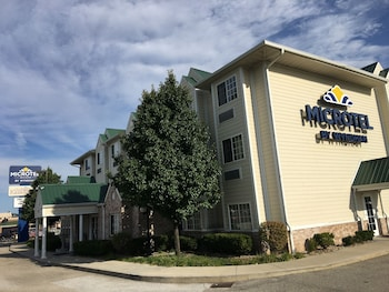 Picture of Microtel Inn & Suites by Wyndham Indianapolis Airport in Indianapolis