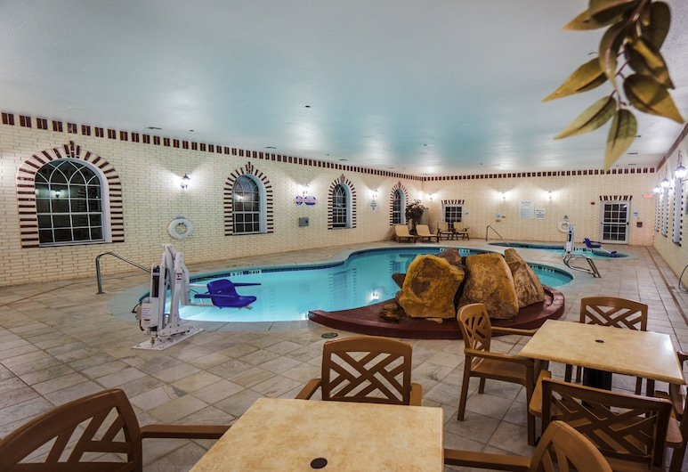 Holiday Inn Express & Suites Pampa, Pampa, Piscina