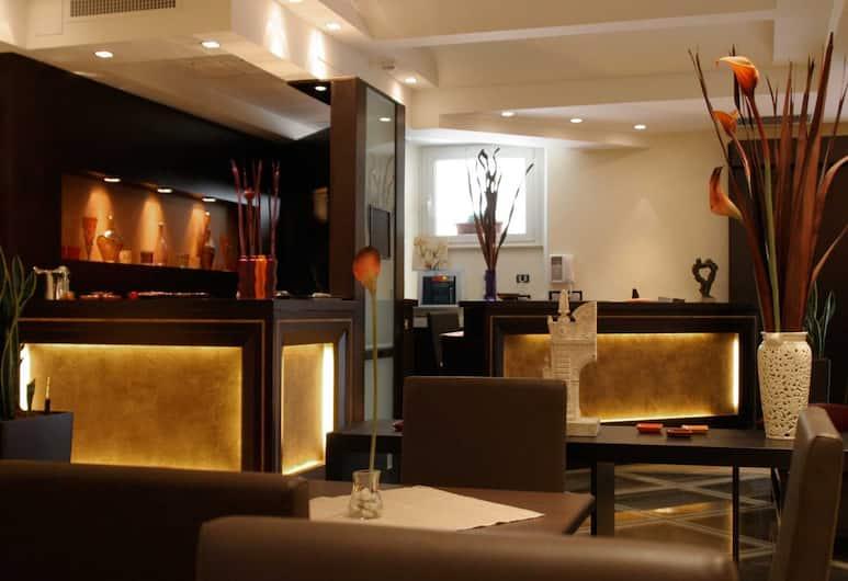 Hotel Latinum, Rome, Bar-salon de l'hôtel
