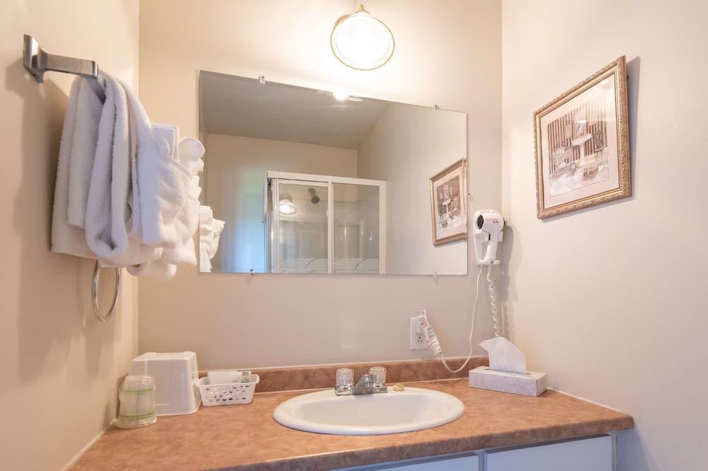 套房, 1 張加大雙人床, 非吸煙房, 按摩浴缸 - 浴室