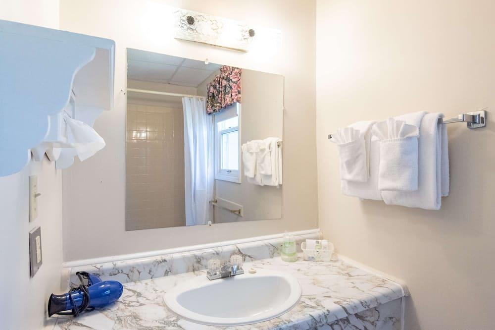 套房, 2 張加大雙人床, 非吸煙房, 簡易廚房 - 浴室
