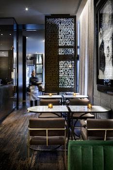 תמונה של The Hazelton Hotel Toronto בToronto