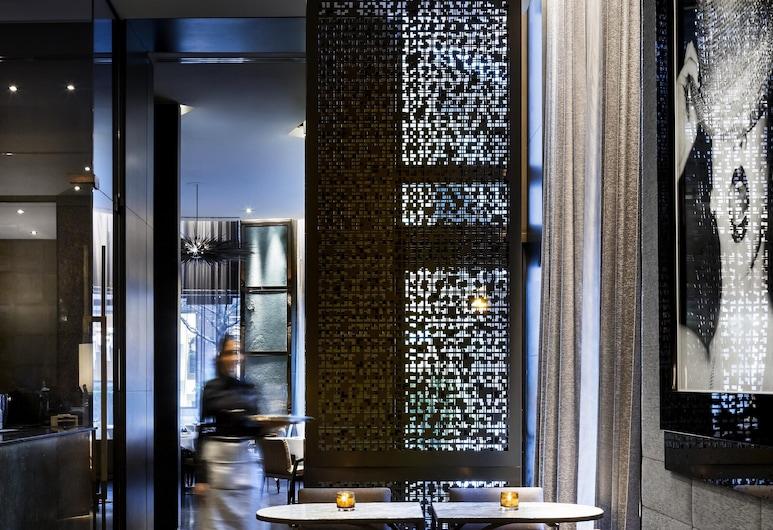 The Hazelton Hotel Toronto, Toronto, Hotelli baar