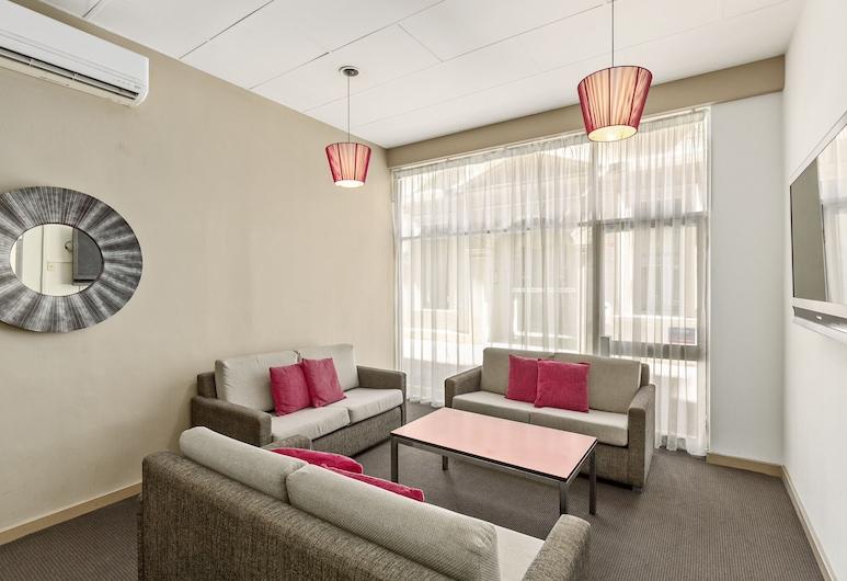 Adelaide Paringa, Adelaide, Lobby Sitting Area