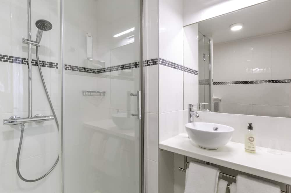 Comfort Room, 1 Queen Bed, Non Smoking, Sea View - Bathroom