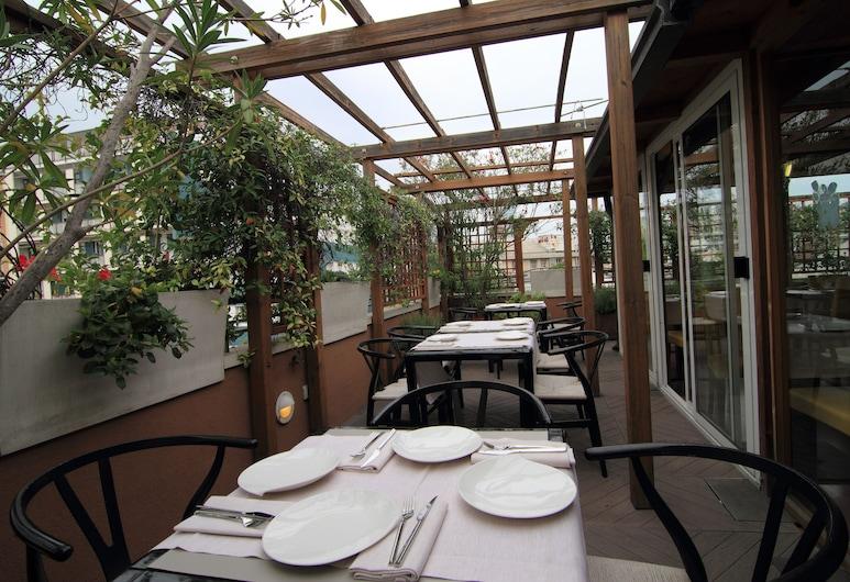 Hotel Metro, Milan, Tempat Makan Luar Ruangan
