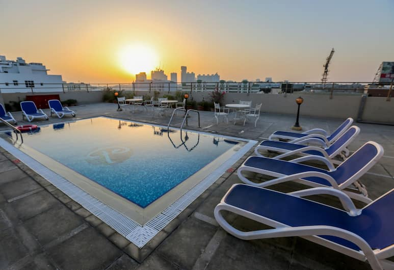 Ramee Royal Hotel, Dubai, Rooftop Pool