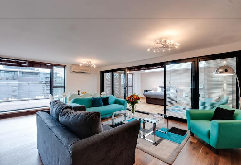 Base Serviced Apartments - Duke Street, Liverpool, Apartment, 3 Bedrooms (with Sofa Bed), Living Area