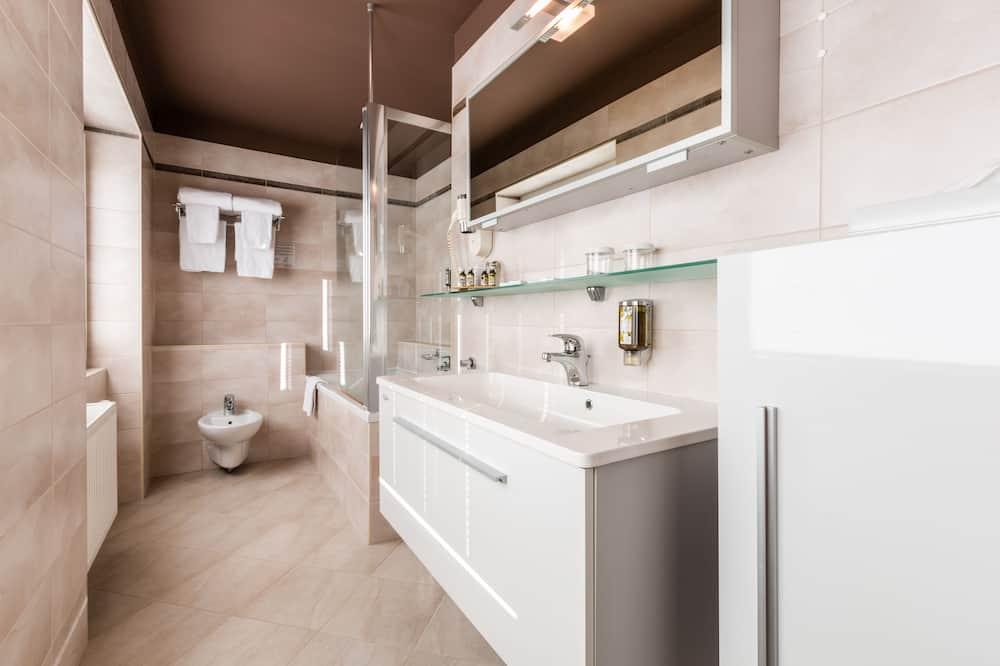 Junior-Suite, 1 Doppelbett, Nichtraucher - Badezimmer