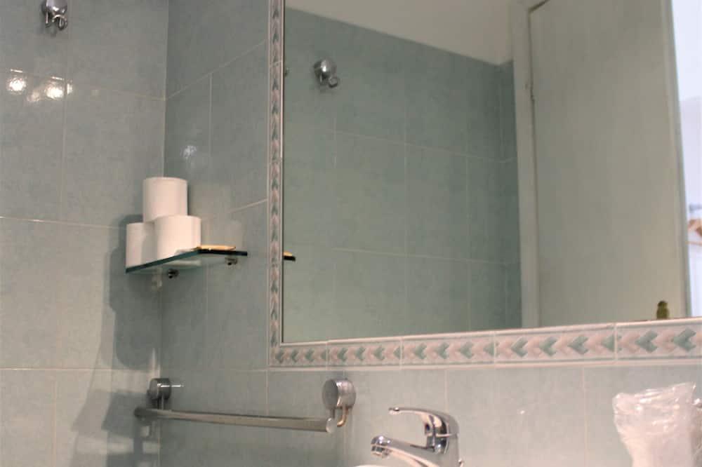 Třílůžkový pokoj typu Exclusive - Koupelna