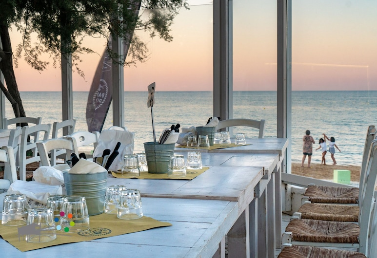 Spiaggia Lunga Camping, Vieste, Restaurang utomhus