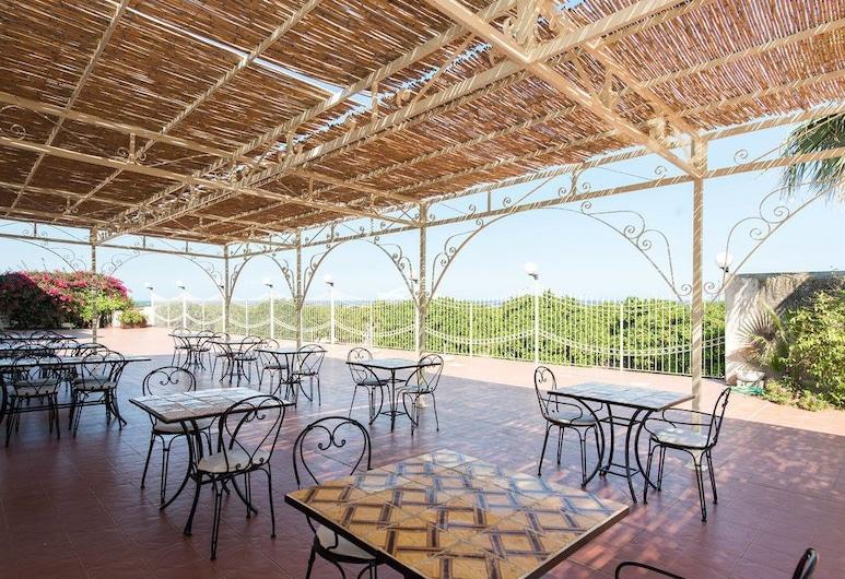 Hotel Villa Favorita, Noto, Outdoor Dining