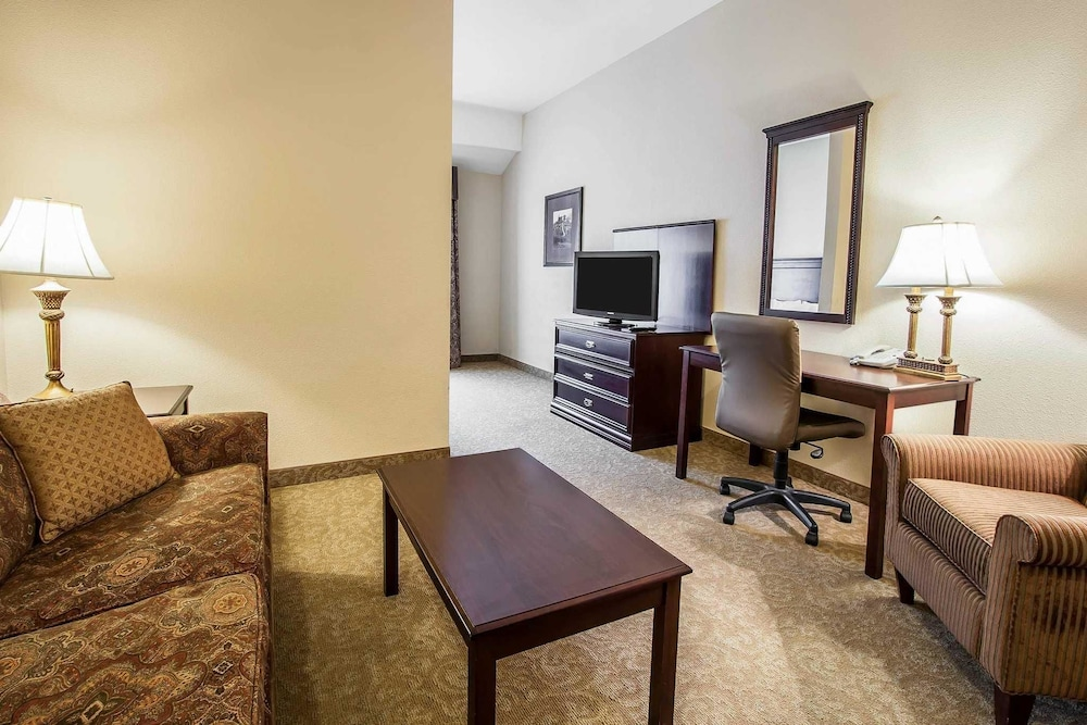 reviews amarillo comforter biz tx mcminnville plaza phone comfort suites western drive photos o inn hotels yelp number