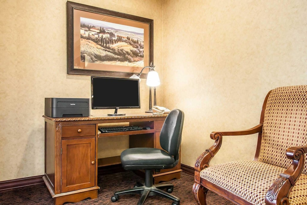 suites comforter mcminnville reservations ave inn z or comfort se room of hotels stratus