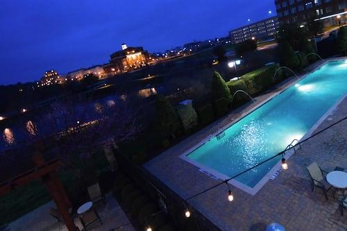 Book Hilton Dallas Southlake Town Square In Southlake Hotels Com