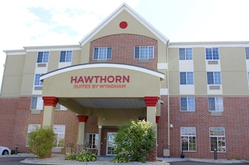 Picture of Hawthorn Suites by Wyndham Madison Fitchburg in Fitchburg