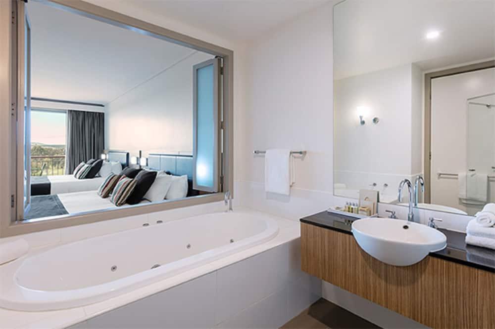 Kamar Premium, 1 kamar tidur, pemandangan lapangan golf - Kamar mandi
