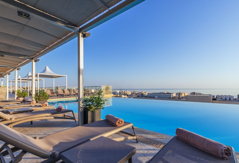 AX │ The Palace, Sliema, Havuz