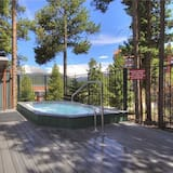Classic Condo, 2 Bedrooms - Outdoor Spa Tub