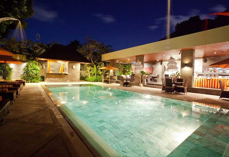 Sun Island Boutique Villas & Spa Seminyak, Seminyak, Piscina externa