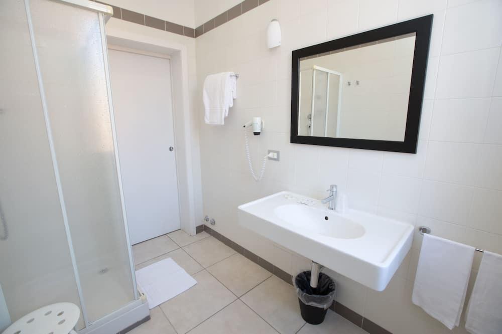 高級雙人房, 1 張加大雙人床 - 浴室