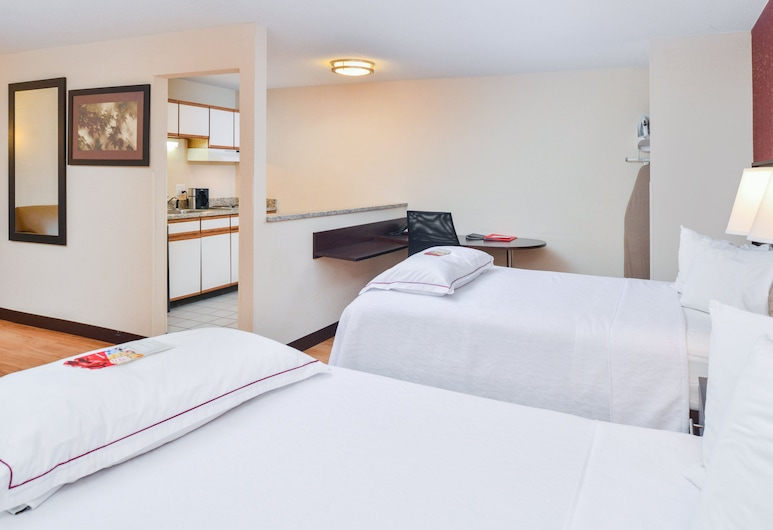 Red Roof Inn PLUS+ & Suites Guilford, Guilford