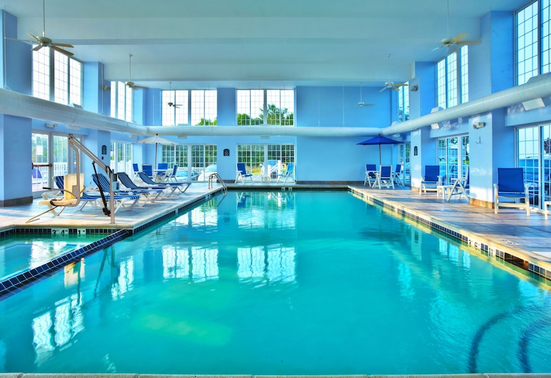 Holiday Inn Express & Suites Petoskey, Petoskey, Pool