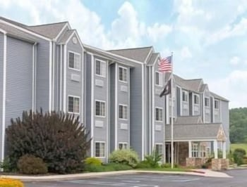 Picture of Microtel Inn & Suites by Wyndham Hazelton/Bruceton Mills in Bruceton Mills