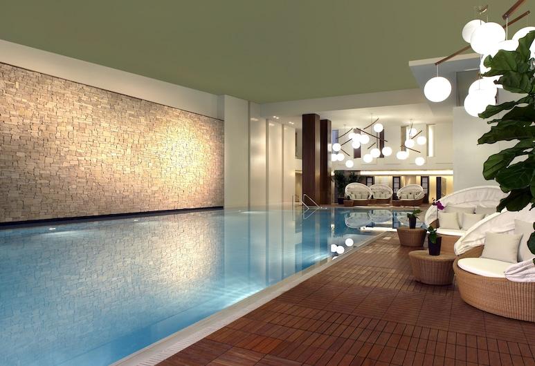 MGM Grand Detroit, Detroit, Pool