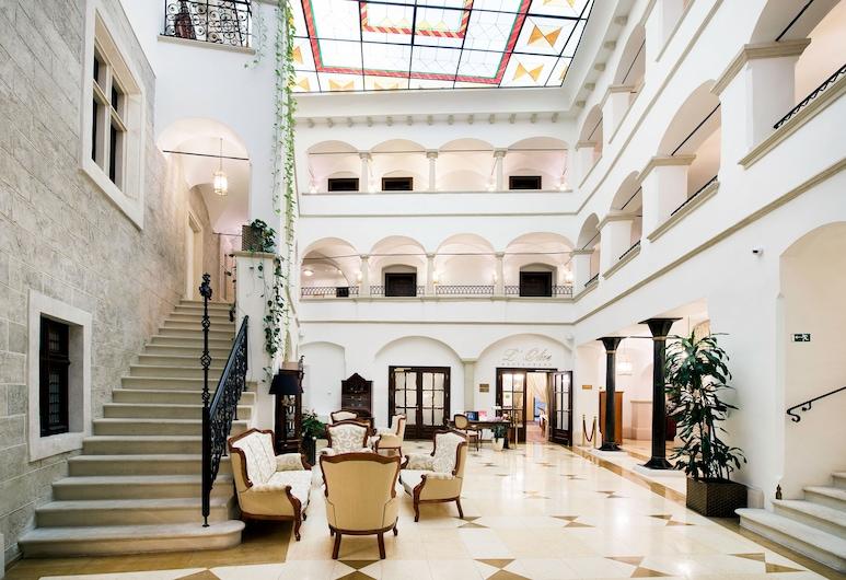 阿卡尼亞精品飯店, 布拉提斯拉瓦