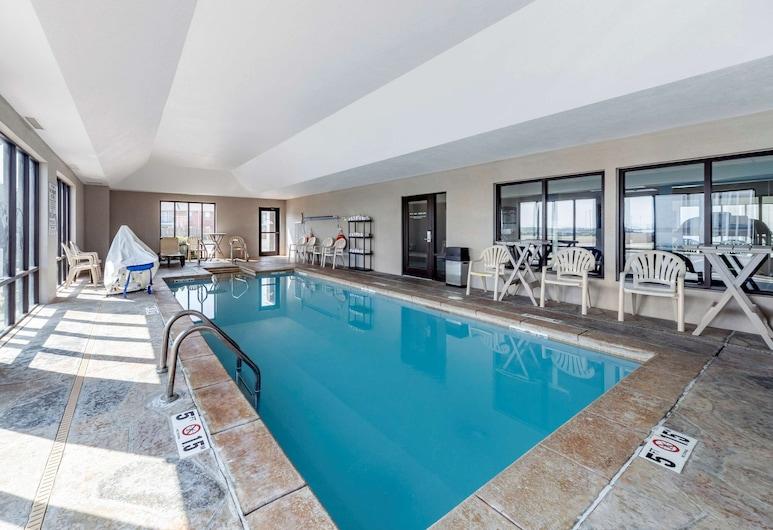 Comfort Inn & Suites Quail Springs, Oklahoma City, Piscina