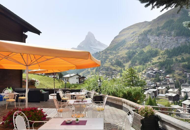 Hotel Alpenroyal, Zermatt, Terasa/trijem
